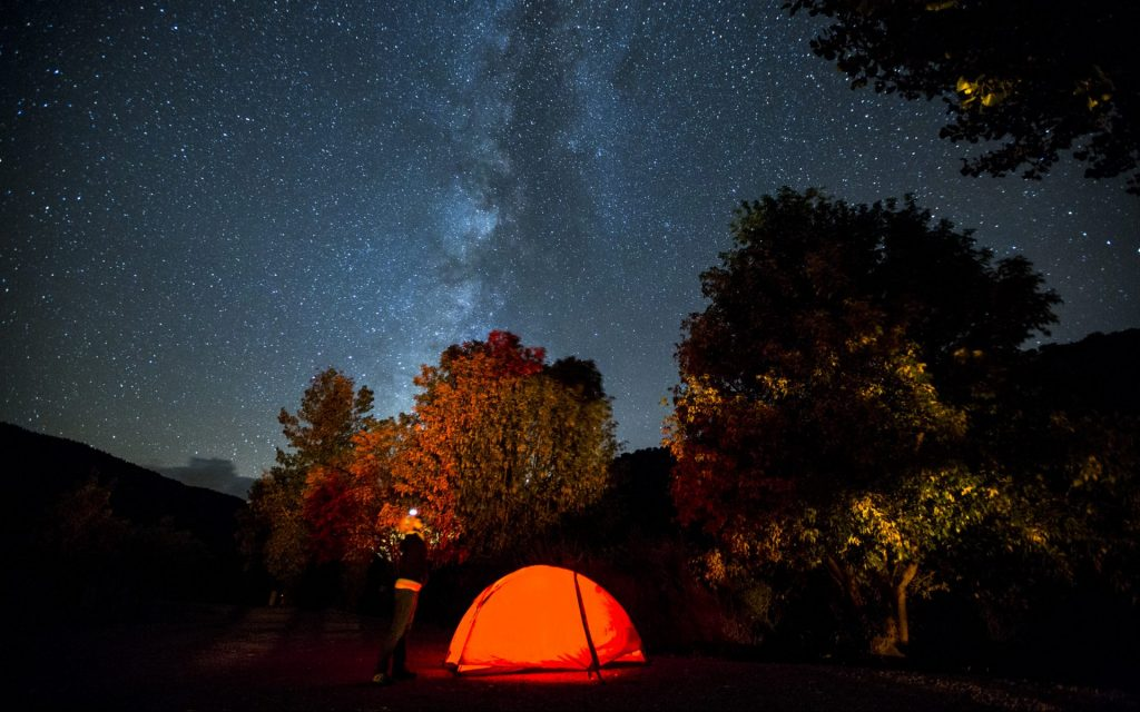 Experiences - Camp under the stars in a beautiful valley - Tours